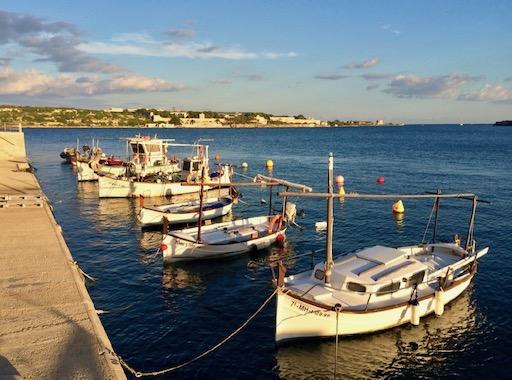 Stories of sailing around the world in the Mediterranean