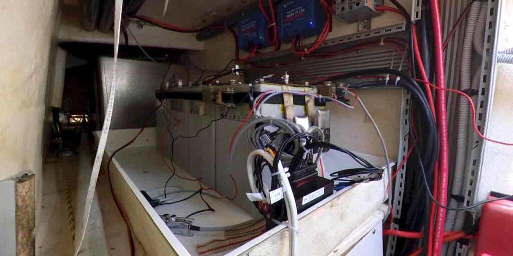 Lithium Installation verdrahtet